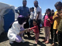 Şehit yakınlarından tarım işçisi çocuklarına bayramlık