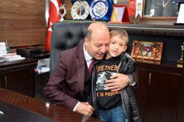 Şehit Yetiminden Belediye Başkanına ziyaret