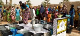 Şehitler adına Mali'de su kuyusu açıldı