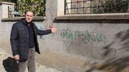 Şehitlik Duvarına Aşklarını yazdılar