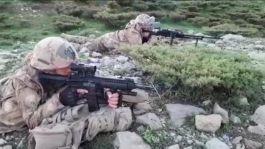 Siirt'te, Herekol dağı bölgesinde 2 terörist böyle öldürüldü(Video)