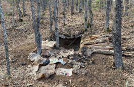 Sivas'ta pkk nın kullandığı sığınak ve içerisinde yaşam malzemeleri ele geçirildi