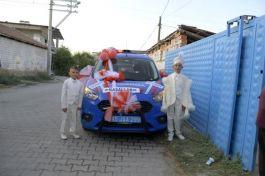 Sünnet olan Şehit çocuklarına Jandarmadan araç jesti