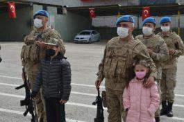 Suriye Afrin'den dönen komandolar aileleriyle buluştu