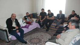 Suriye Gazisi kurban kesilerek dualarla karşılandı
