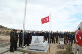 Suriye İdlib şehidi Develi ilçesinde mezarı başında anıldı