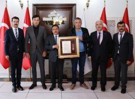 Suriye Şehidinin ailesine Devlet Övünç Madalyası verildi