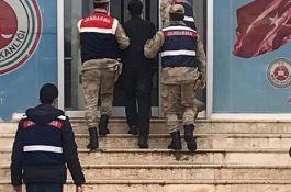 Suriye uyruklu PKK'lı terörist, patlayıcıyla yakalandı