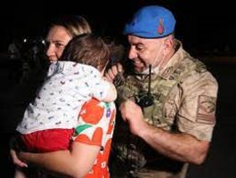 Suriye'de dönen Askerler sevdiklerine kavuşmanın mutluluğunu yaşadı