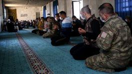 Suriye'nin kuzeyindeki şehitler için mevlit okundu