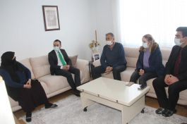 Taşova'da Kaymakam Şehit ailesini ziyaret etti