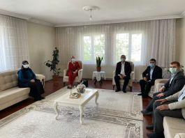 Tatvan Kaymakamı Şehit ailelerini ziyaret etti