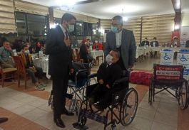 Tekerlekli sandalyeler Şehit isimleriyle dağıtıldı