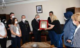 Tekirdağ Valisi Yıldırım şehit ailesini ziyaret etti