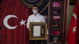 Terör gazisi pandemiyle mücadelede ön saflarda yer alıyor