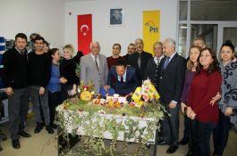 Terör Gazisine  PTT'de sürpriz doğum günü kutlaması