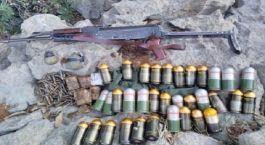 Teröristlere ait çok sayıda silah ve mühimmat ele geçirildi