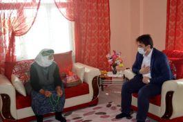 Tuzluca'da Anneler Gününde Şehit aileleri ziyaret edildi