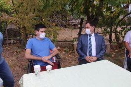 Vali Bacaklarını kaybeden Gazi Astsubayı evinde  ziyaret etti(Video)