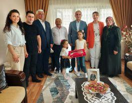 Vali Çakır'dan Şehit Ailelerine Babalar Günü Ziyareti