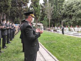 182. kuruluş yıl dönümünde Edirnekapı Şehitliği'nde tören düzenlendi