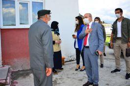 Vali göreve başlayınca ilk önce Şehit ailesini ziyaret etti
