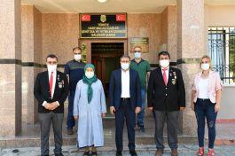Vali İldeki Şehit ve Gazi Derneklerini ziyaret etti