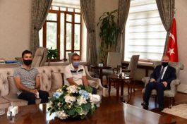 Vali Karadeniz  Şehit ailesini ağırladı