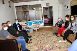 Vali'den Şehit ve Gazi ailelerine bayram ziyareti