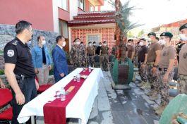 Vali Özel harekât polislerini ziyaret etti