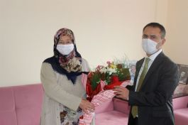 Vali Şehit Ailesi ve Gaziyi ziyaret etti
