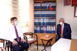 Vali Şehit ve Gazi Aileleri Derneğine bayram ziyaretinde bulundu