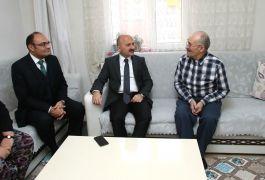 Vali Varol Kıbrıs Gazisini evinde ziyaret etti
