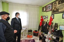 Vali'den Şehit Ailesine evinde ziyaret(Video)