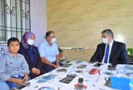 Vali'den Suriye idlip Şehidinin ailesine ziyaret etti(Video)
