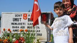Vicdansızlar Şehidin 9 yaşındaki Oğluna şiddet uygulamışlar(Video)