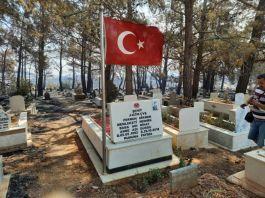 Yangında Şehit mezarı ve Türk bayrağı yanmadı(video)