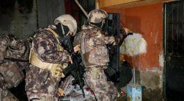 Yeni yıl  öncesi IŞİD'e büyük operasyon! 61 gözaltı var